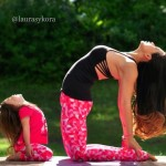 Mother-and-Daughter-Yoga-09